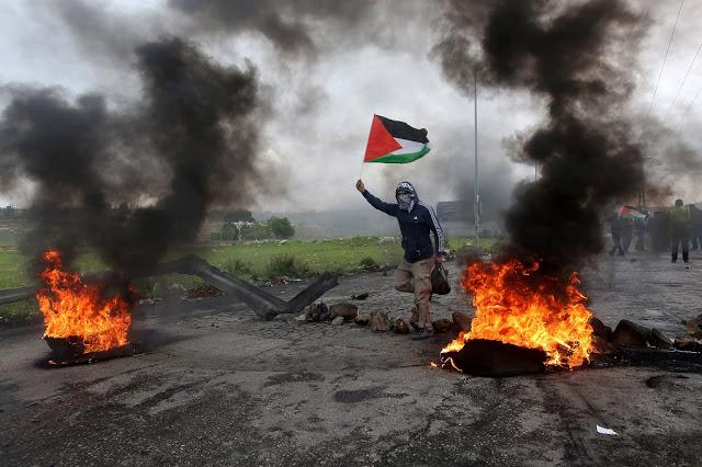 Ισραηλινή αεροπορική επίθεση μετά την εκτόξευση ρουκέτας από τη Γάζα