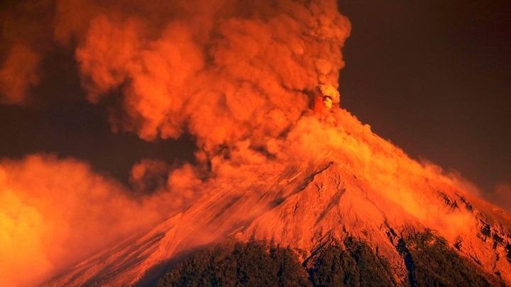 Γουατεμάλα: Χιλιάδες άνθρωποι απομακρύνθηκαν από τις εστίες τους εξαιτίας της έκρηξης του ηφαιστείου Φουέγο