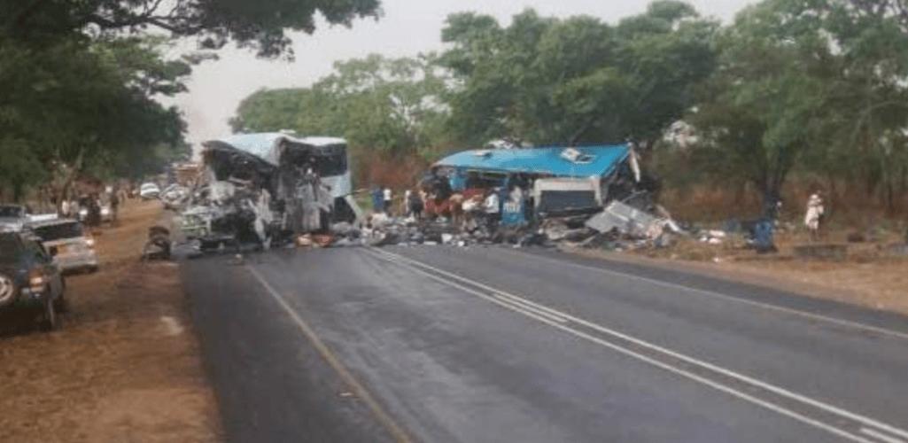 Ζιμπάμπουε: Τουλάχιστον 47 νεκροί από σύγκρουση δύο λεωφορείων