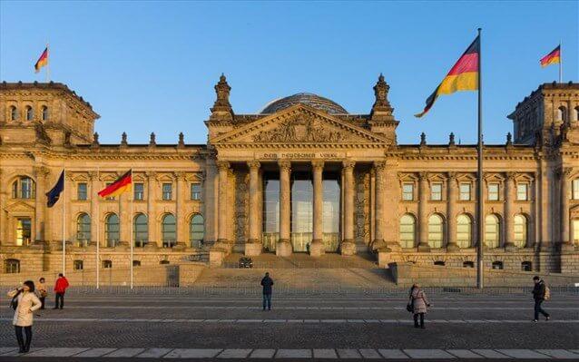 Βερολίνο: Ισχύουν οι συμφωνίες του Eurogroup για τα ελληνικά πρωτογενή πλεονάσματα