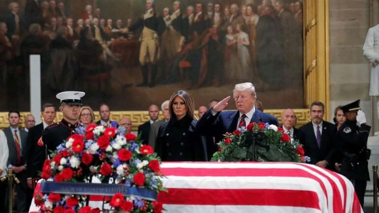 Φόρο τιμής απέτισε ο Πρόεδρος Τραμπ στον Τζορτζ Χέρμπερτ Ουόκερ Μπους