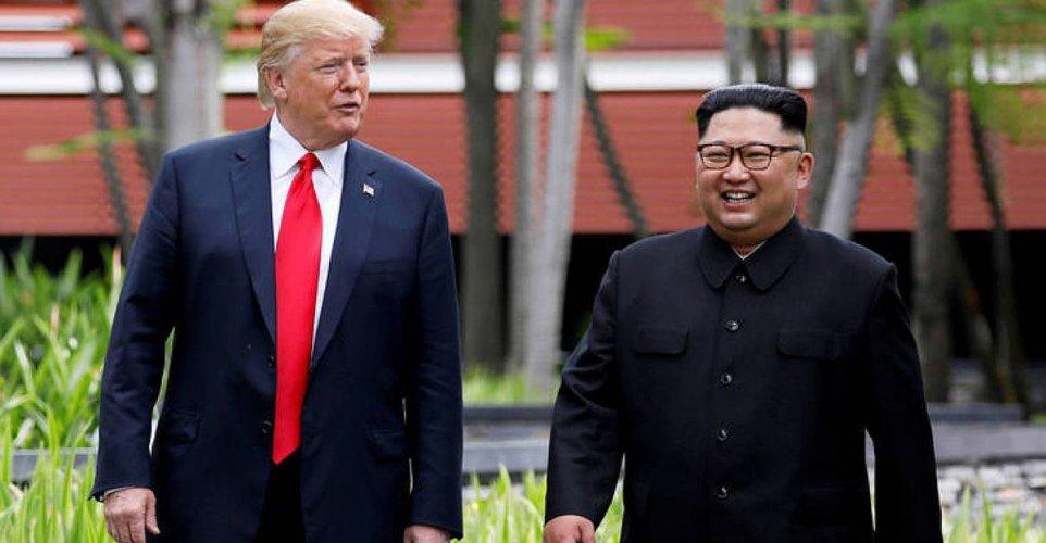 Οι Τραμπ και Κιμ δηλώνουν αισιόδοξοι κατά την έναρξη της δεύτερης συνάντησής τους