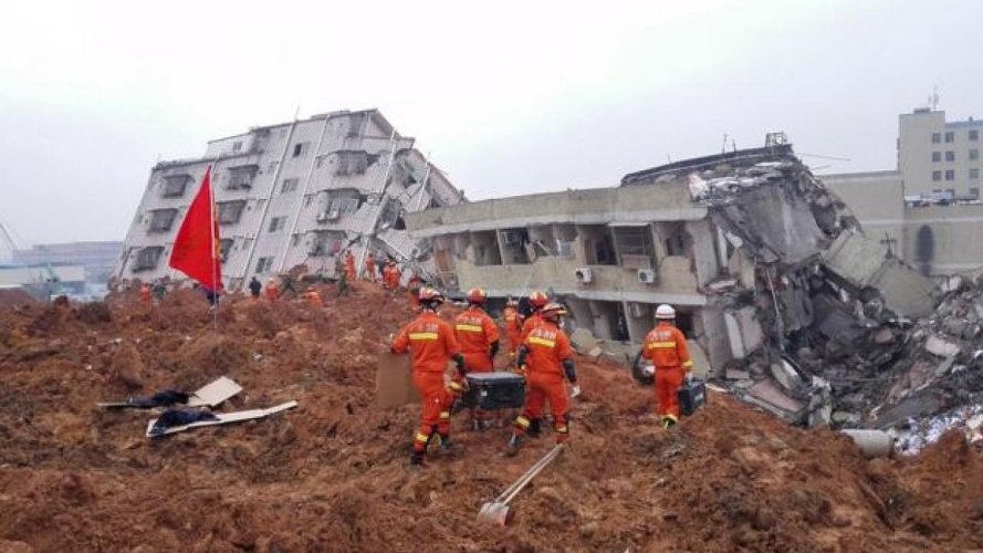 Από κατολίσθηση παρασύρθηκε μια πολυκατοικία στην Κίνα με 7 νεκρούς