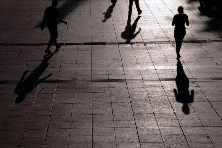 ΟΟΣΑ: Η μεσαία τάξη στην Ελλάδα χάνει 6% του εισοδήματός της ανά έτος