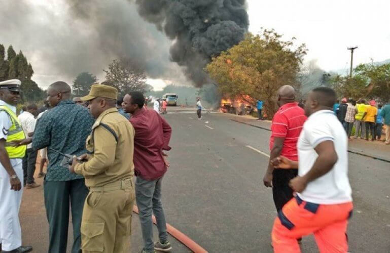 Τανζανία: Τουλάχιστον 57 νεκροί από την έκρηξη βυτιοφόρου