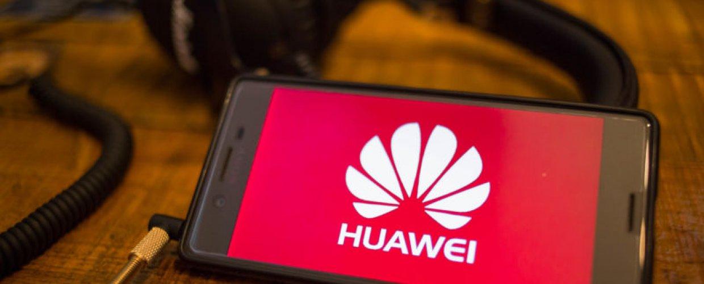 Η Huawei διατηρεί τη θέση της στις πωλήσεις smartphones παρά το αμερικανικό μπλόκο