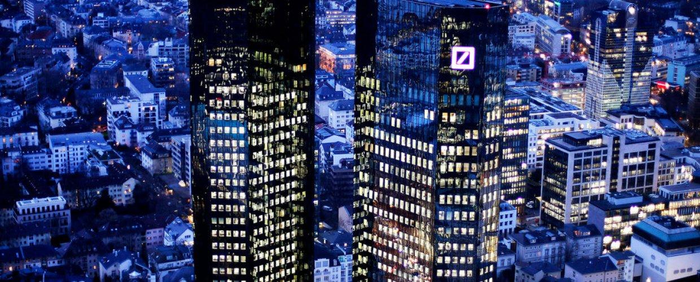Η Deutsche Bank θα περικόψει 18.000 θέσεις εργασίας
