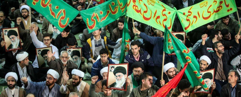 Χάος στο Ιράν μετά την αιφνιδιαστική αύξηση της τιμής της βενζίνης