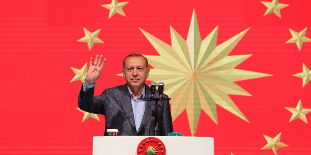 Spiegel: «Ο αλαζονικός ηγέτης»