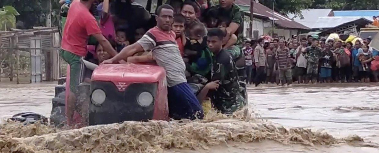 Αυξάνεται ο αριθμός των θυμάτων από πλημμύρες στο Αν. Τιμόρ και την Ινδονησία