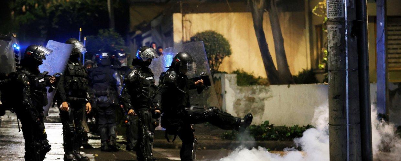 Αιματηρές ταραχές στην Κολομβία σε διαδηλώσεις κατά της φορολογικής μεταρρύθμισης